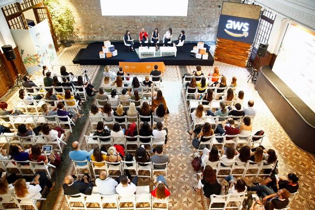 Teknolojide Kadın Derneği (WTech), 18 Eylül'de AWS Pop-up Loft İstanbul etkinlik ile ilgili görsel sonucu