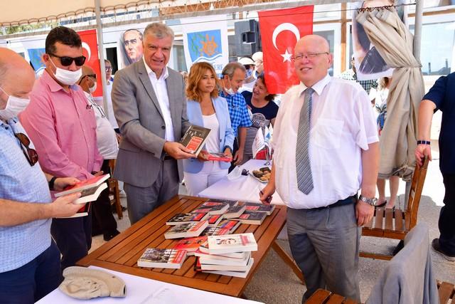 2020/07/1593598529_denizcilik_ve_kabotaj_bayrami_narlidere'de_kutlandi!_(10).jpg