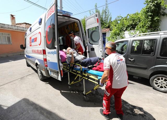 2020/07/1594382397_gaziemir'de_hasta_nakil_araclari_yeniden_hizmete_basladi_(5).jpg