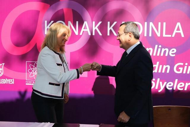 2020/10/1603295100_konak_belediyesi,_Izmir_kadin_kuruluslari_birligi'yle_oernek_bir_isbirligine_imza_atti..jpg