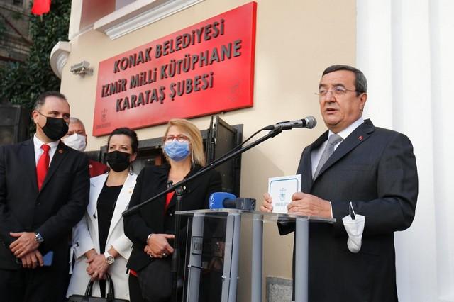 2020/10/1603886122_konak_belediye_baskani_abduel_batur_(2).jpg