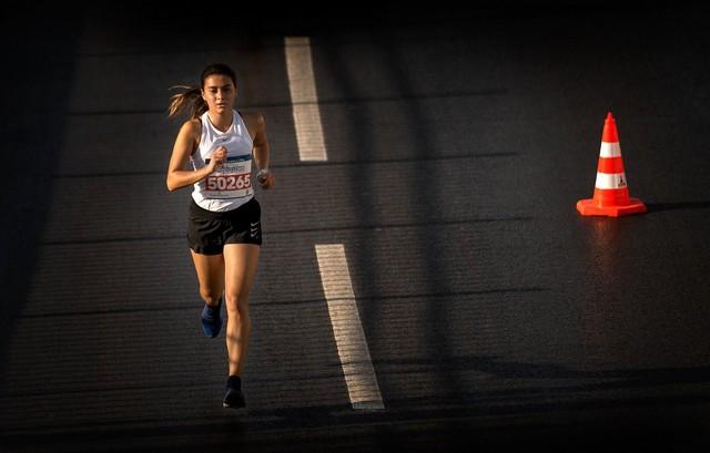 2020/10/1603902723_maraton_Izmir_1._fotograf_yarismasi'nda_kazananlar_belli_oldu_(6).jpg