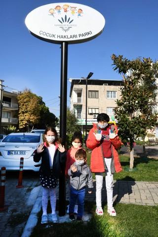 2020/11/1605972609_karabaglar_belediyesi_cocuk_haklari_parki_(6).jpg