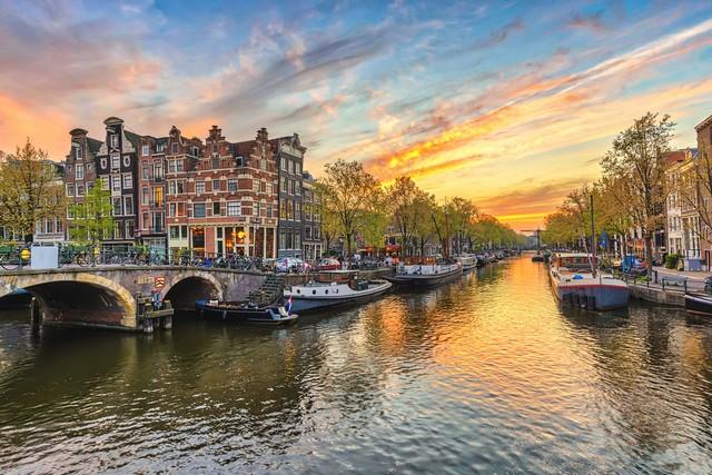 2021/01/1610566760__amsterdam.jpg