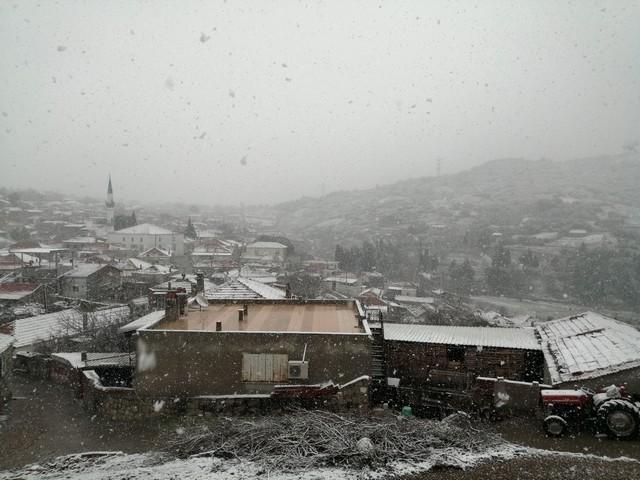2021/01/1611908537_aliaga'da_kar_manzaralari_(2).jpg