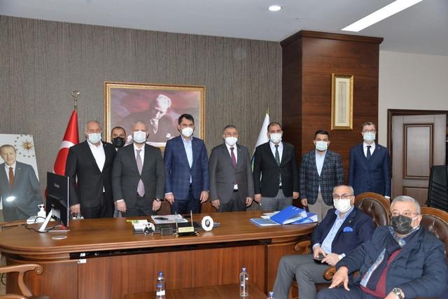 2021/02/1614001782_Cevre_ve_Sehircilik_bakani_murat_kurum_menemen_belediyesi-ni_ziyaret_etti_-3.jpg