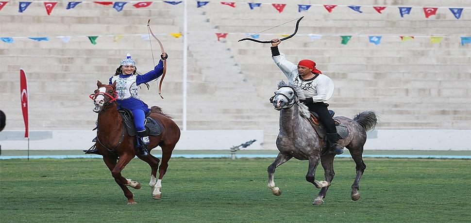 Ecdat yadigârı 'Ata Sporları' Bursa'da yaşatılıyor