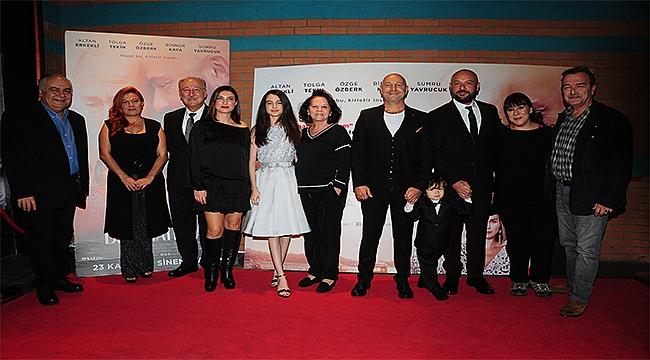 Çağan Irmak'ın yeni filmi 'Bizi Hatırla'nın galası yapıldı