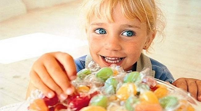 Ramazan bayramında çocuklarınızı şekerle zehirlemeyin!