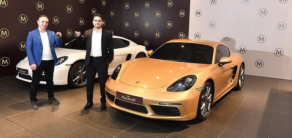 İki Porsche Cayman Magnum Edition Sahiplerine Teslim Edildi