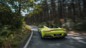 Aston Martin Vantage Renklendi