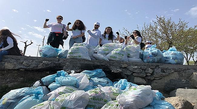 Gönüllüler Zeytinburnu Sahilini Temizledi!