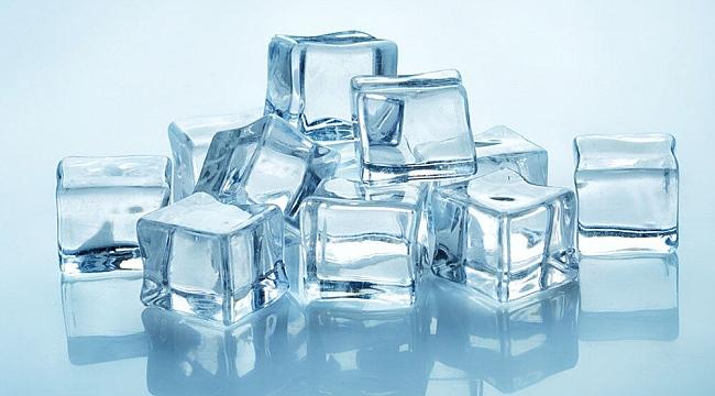 Musluk suyundan yapılmış buzlara dikkat
