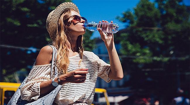 Sıcak yaz aylarında su dostu besinlerle zinde kalmanın 9 yolu