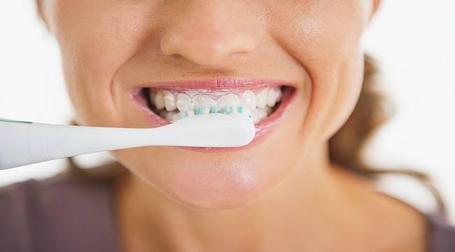 En iyi diş macunu ve en iyi fırça kişiye göre değişiyor!