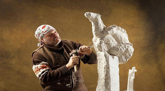 Ödüllü heykeltıraş Filinta Önal, başarılarını MAG okurları için anlattı