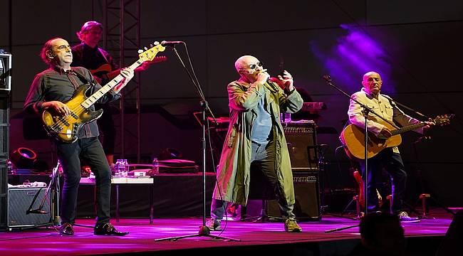MFÖ'den Metropol İstanbul'da muhteşem konser