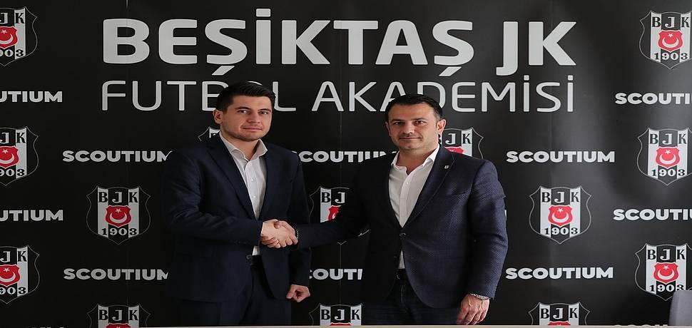 Scoutium ve Beşiktaş JK Türkiye'deki genç yetenekleri keşfetmek için iş birliği anlaşması imzaladı