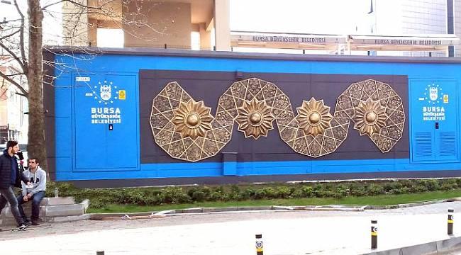 Çamur sanata, şehir galeriye dönüyor
