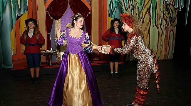 Karşıyaka Belediye Tiyatrosu'ndan sanatseverlere müjde