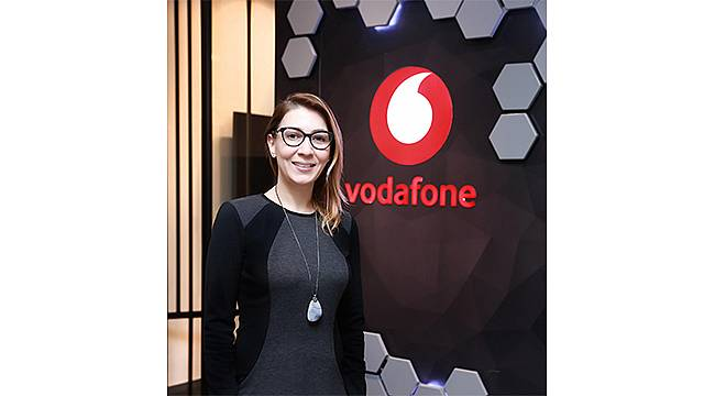 Vodafone'un Dijital Tarım İstasyonu uygulamasıyla tarlaya uzaktan takip