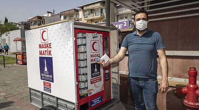 İzmir Büyükşehir Belediyesi'nden ilçelere 140 bin maske