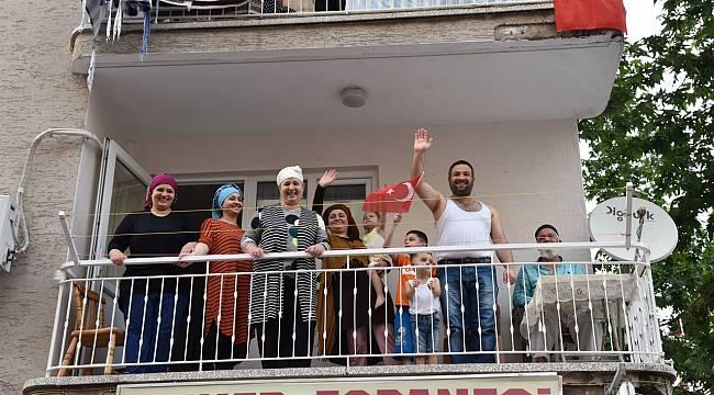 Manisa'da 19 Mayıs coşkusu evlere taşındı