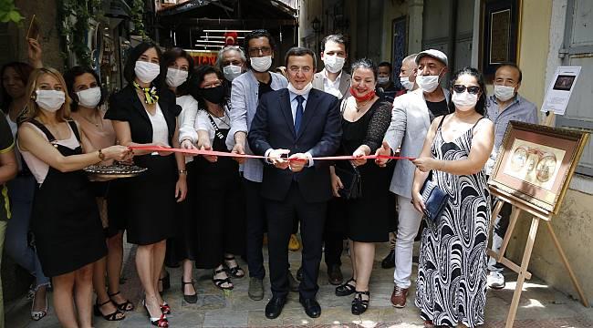 'Kemeraltı Sanatçıları Sergisi' tarihi Abacıoğlu Han'da açıldı