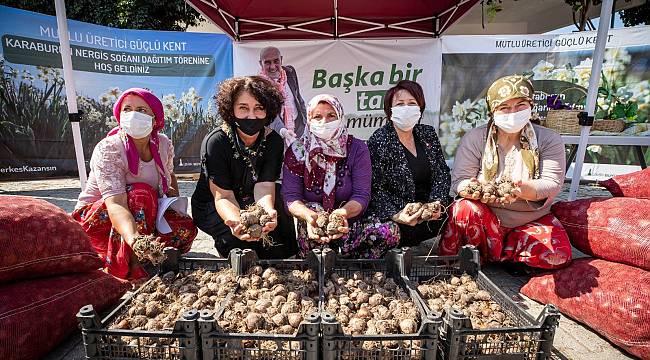 İzmir Büyükşehir Belediyesi üreticiye desteğini sürdürüyor