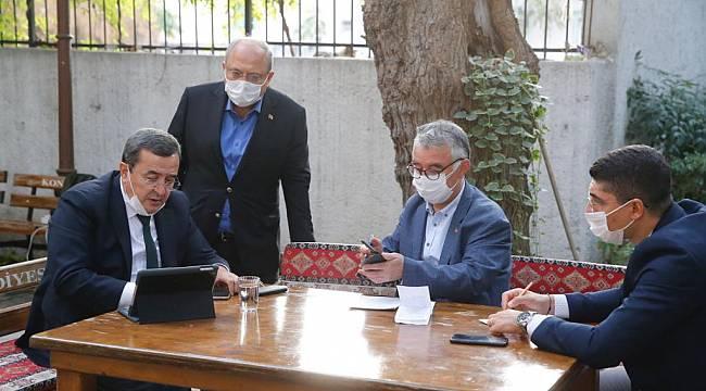 Başkan Batur kriz masasında, Belediye ekipleri sahada