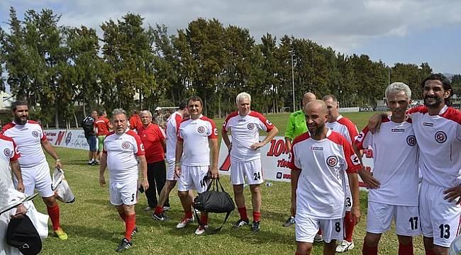 Profesyonel Ligler Dışında Her Türlü Futbol Faaliyeti Yasak