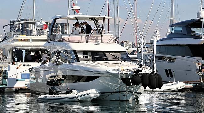 Yüzen saraylar ve her bütçeye uygun tekneler deniz tutkularını hayran bıraktı