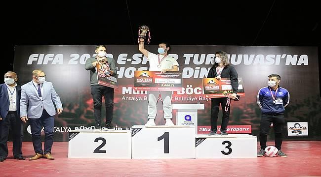 Antalya Büyükşehir'in e-spor turnuvası sona erdi