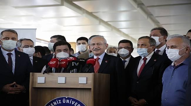 CHP lideri Kılıçdaroğlu, Muhittin Böcek'i hastanede ziyaret etti