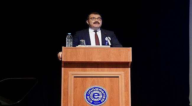 """Prof. Dr. Mandal: """"Aşı Platformunun üst şemsiyesini EÜ oluşturuyor"""""""