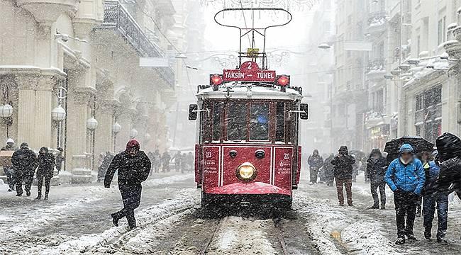 İBB AKOM uyardı: Sıcaklıklar düşüyor, kar geliyor!