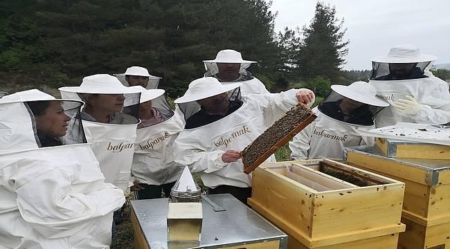 Balparmak, Arıcılık Akademisi ile Arıcılık Mesleğinin Geleceği İçin Muğlalı Arıcıları Eğitiyor