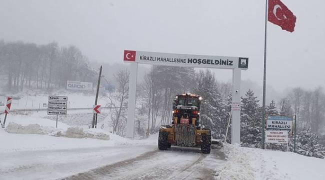 Bursa'da karla mücadele ekipleri yoğun mesai yapıyor