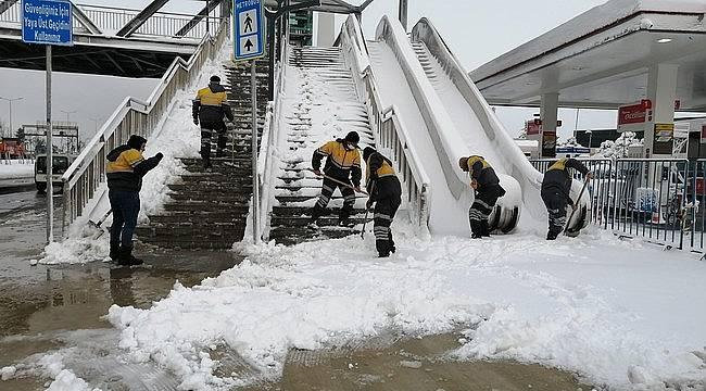 İstanbul'da kar kalınğı 30 cm'e kadar çıktı