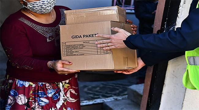 İzmir Büyükşehir Belediyesi 50 günde 90 bin hanenin kapısını çaldı