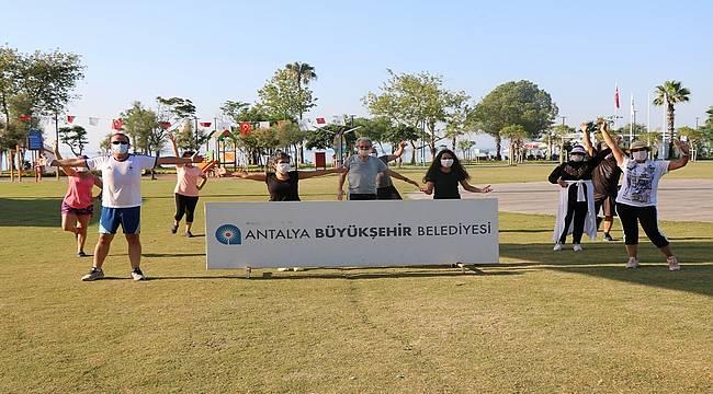 Antalya'da sosyal mesafeli sabah sporu başlıyor