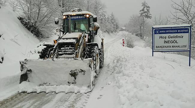 Bursa'da karla kesintisiz mücadele!