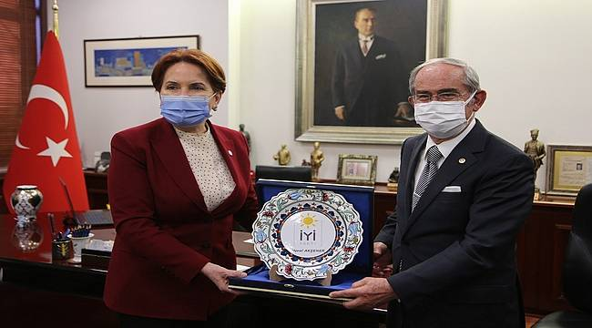 """Meral Akşener: """"Büyükerşen belediyecilikde örnek bir isim"""""""