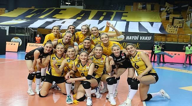 VakıfBank, üst üste dokuzuncu kez yarı finalde