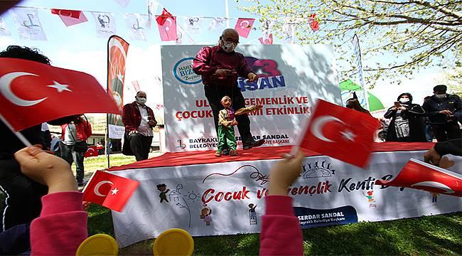 Bayraklı'nın parkları 23 Nisan şenlikleriyle renkleniyor
