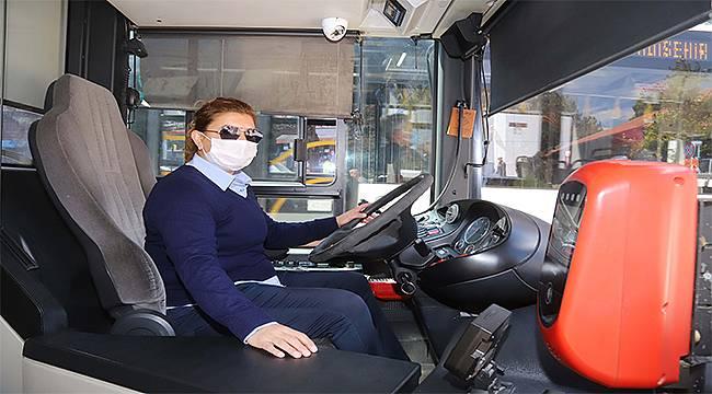 Eskişehir'in ilk kadın otobüs şoförleri deneyimlerini paylaştı