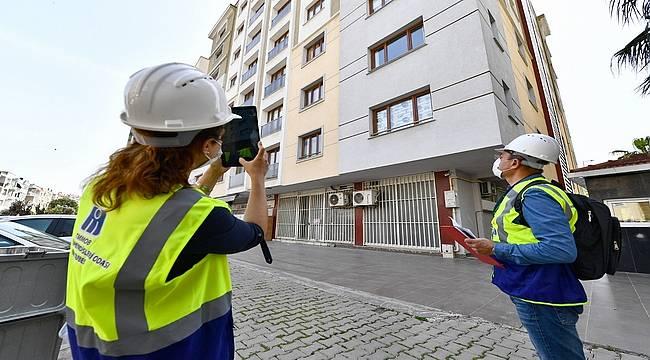 İzmir Büyükşehir Belediyesi 100 mühendisle yapı stoku envanteri için sahada