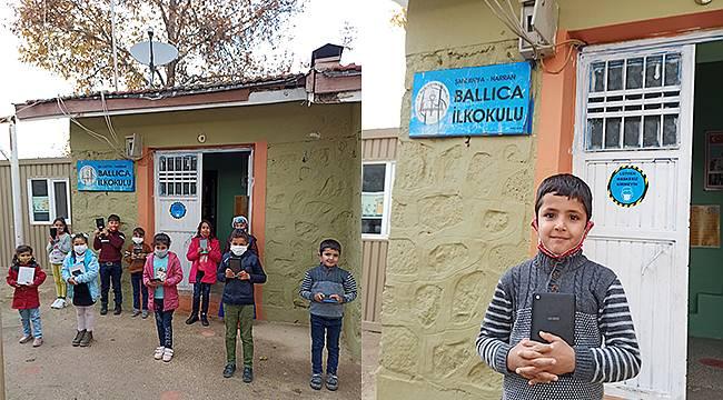 Yeni Dünya Kampanyası'nda 2.053 çocuk tabletlerine kavuştu