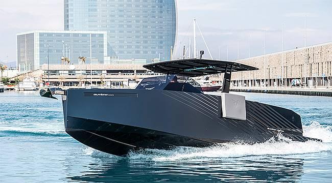 CUPRA tasarımlı yat D28 Formentor denize iniyor