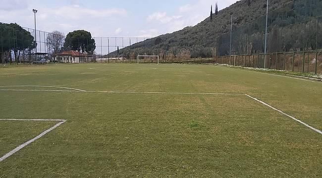 Futbol sahaları yenileniyor
